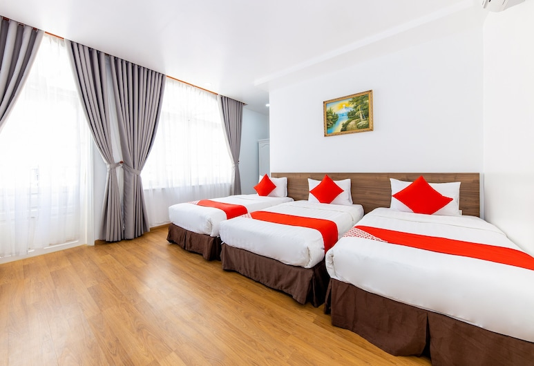 OYO 336 Homey Hotel, Nha Trang, Deluxe Triple Room, Guest Room