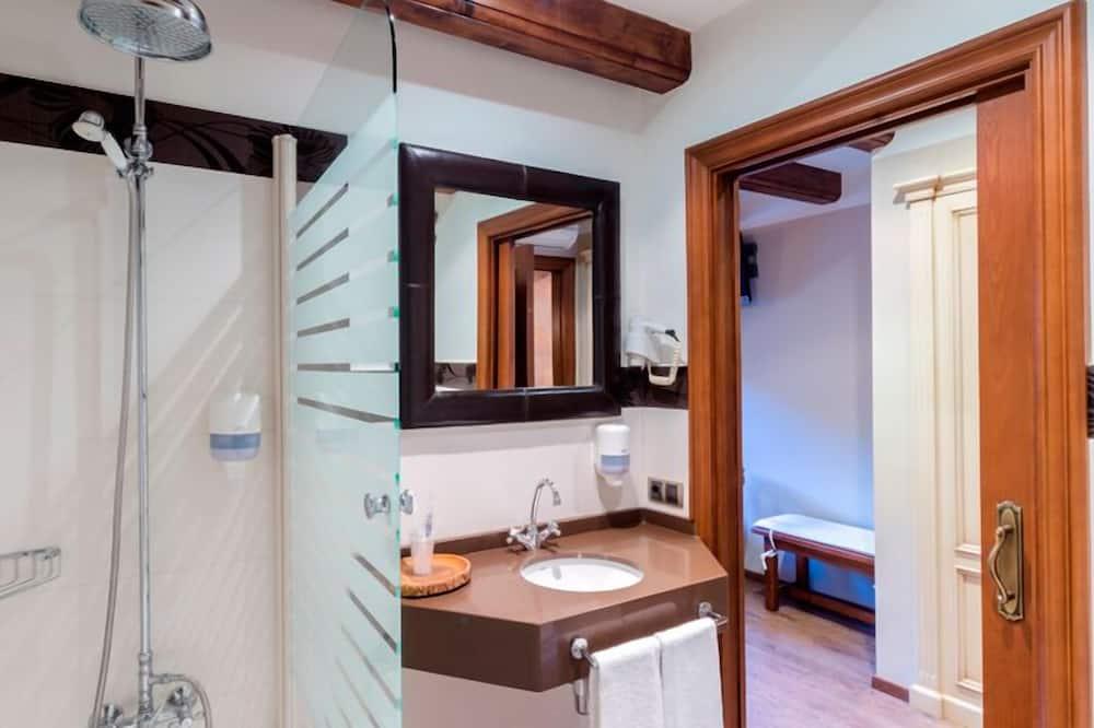 Pokój dwuosobowy (1 double or 2 single beds) - Łazienka