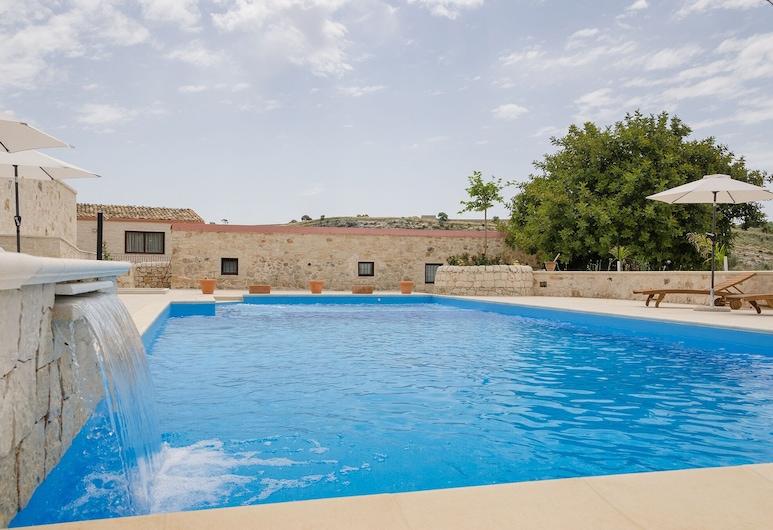 Vivere gli Iblei - Maison En Plain Air, Ragusa, Välibassein