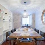 Apartment, 3 Bedrooms (Travessa do Almada, 20 Groundfloor) - In-Room Dining