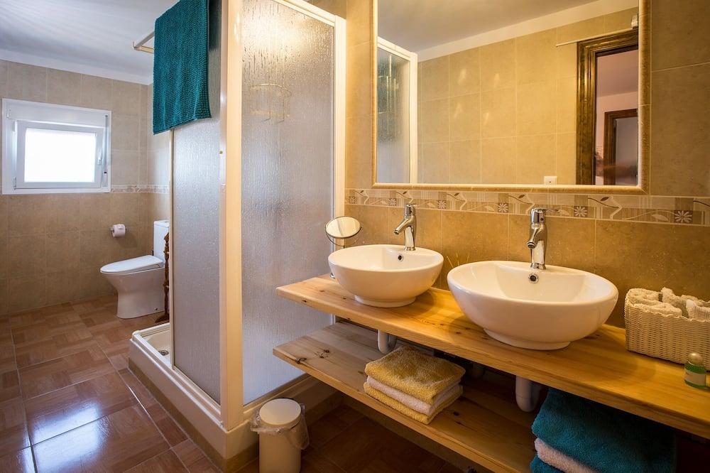 Comfort szoba kétszemélyes ággyal (Indalo) - Fürdőszoba