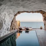 Cave Suite (Sea View with Private pool) - Gästrum