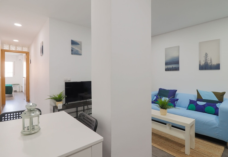 Two Bedroom Apartment Málaga Train Station, Málaga, Apartment, 2 Bedrooms, Living Area