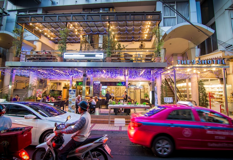 バブル スペース ホステル, バンコク