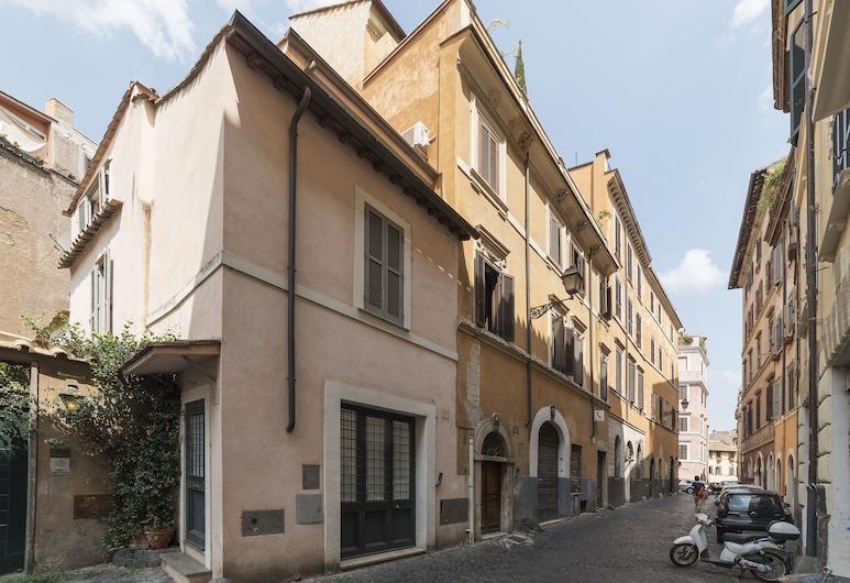 Your Romantic Terrace in Trastevere, Rome