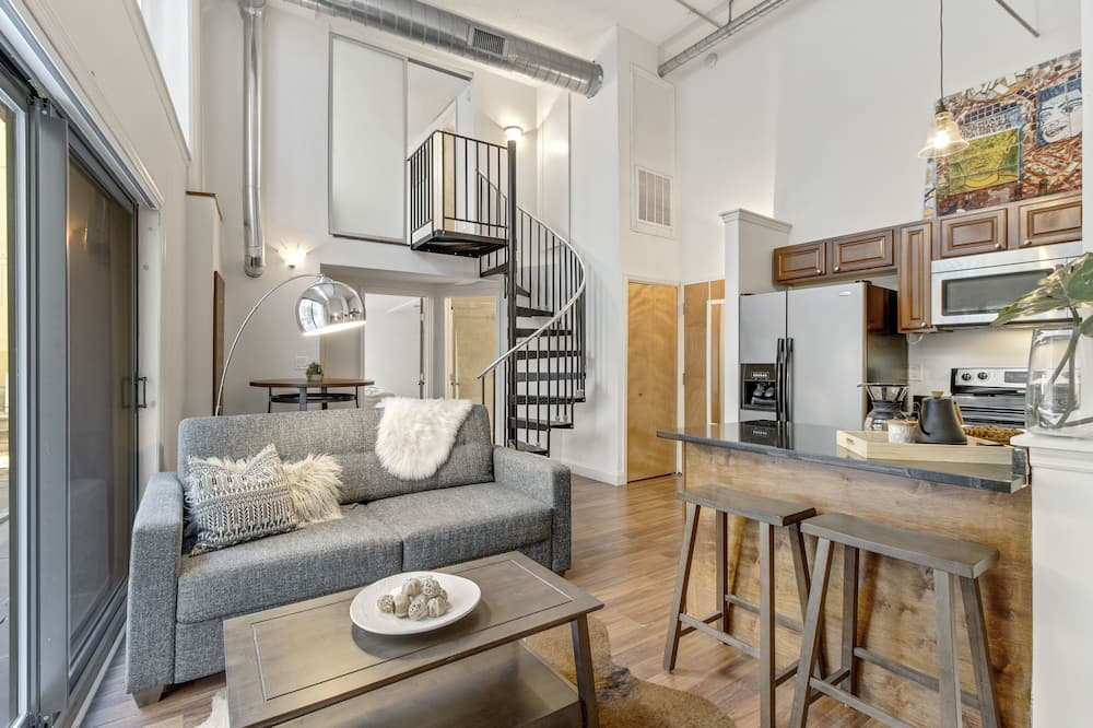 Elite Apartment, 2 Bedrooms, Non Smoking, 2 Bathrooms - Living Area