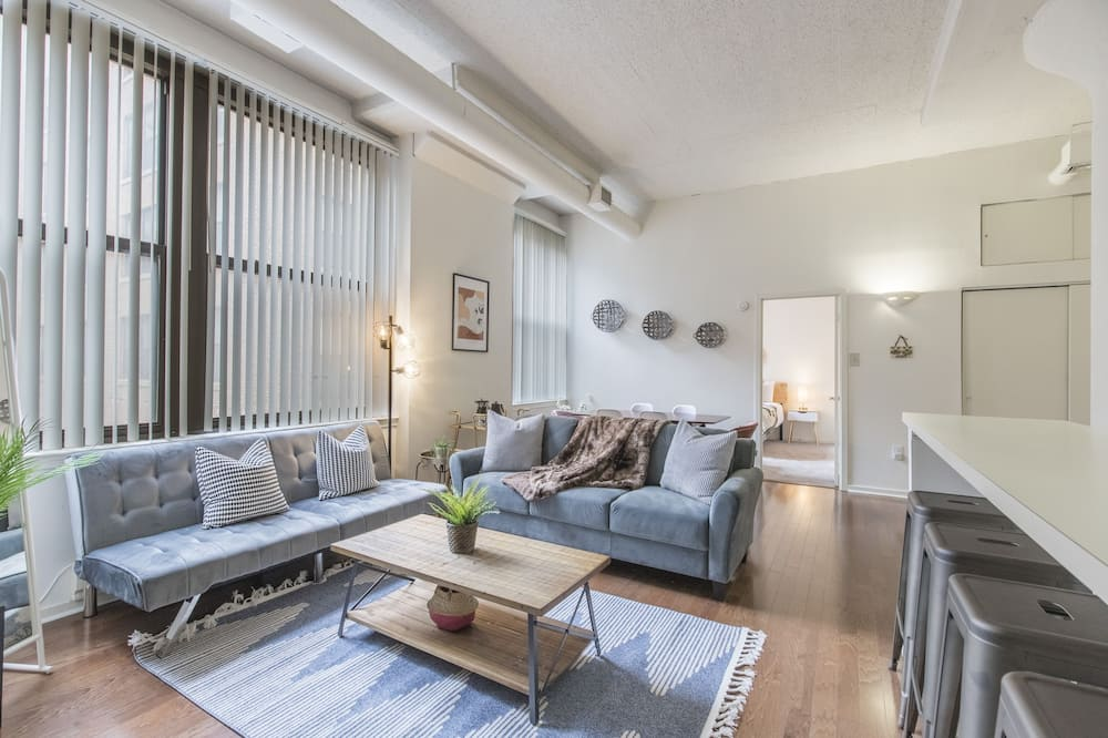 Classic Apartment, 2 Bedrooms, Non Smoking, Kitchen - Living Area