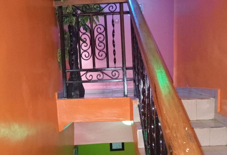 埃塞克斯洲際飯店, 拉各斯, 樓梯