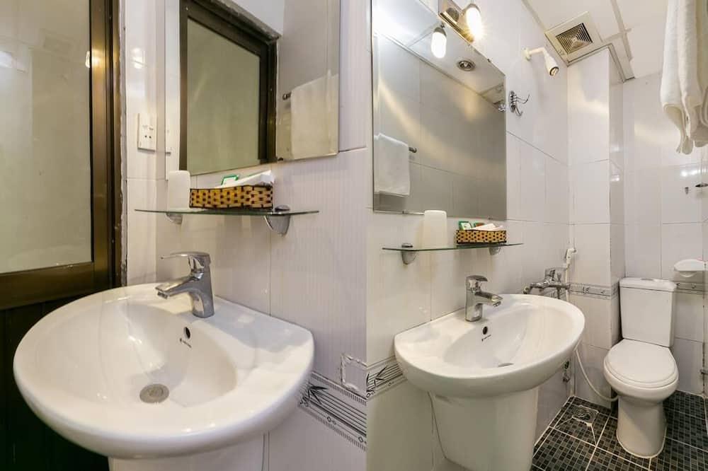 Superior Tek Büyük Yataklı Oda - Banyo