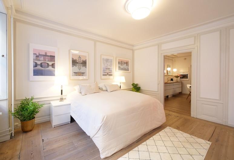 Direct Inner City Deluxe 1, Copenhagen, City Apartment, Room
