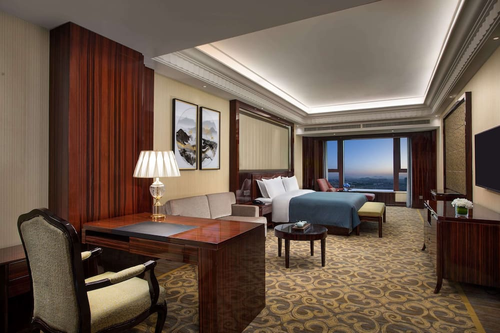 Executive Room, 1 King Bed, Smoking - Guest Room