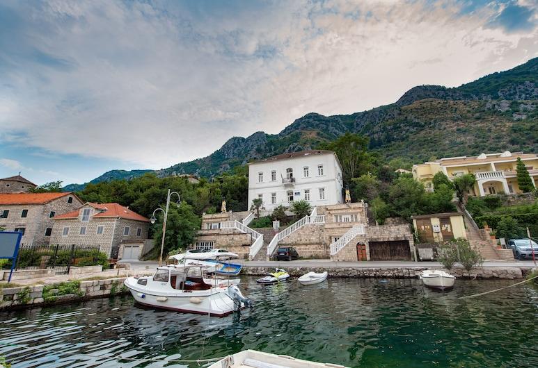 Hotel Belveder, Kotor, ด้านหน้าของโรงแรม