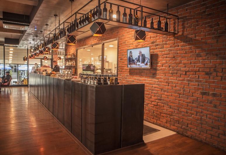 Hotel Qama, Kosovo Polje, Hotel Bar