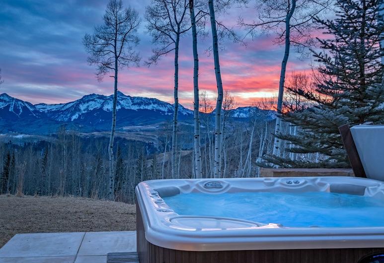 Grand Vista by Exceptional Stays, Telluride, Bathtub Spa Luar Ruangan