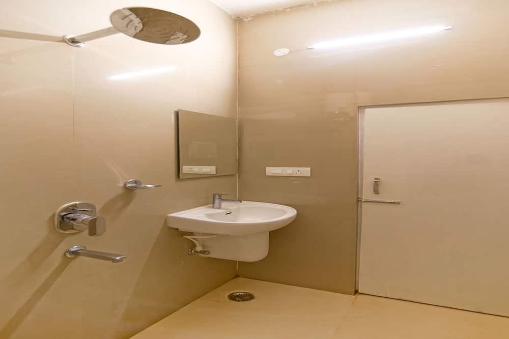 Non AC Premium Suite Room - Bathroom