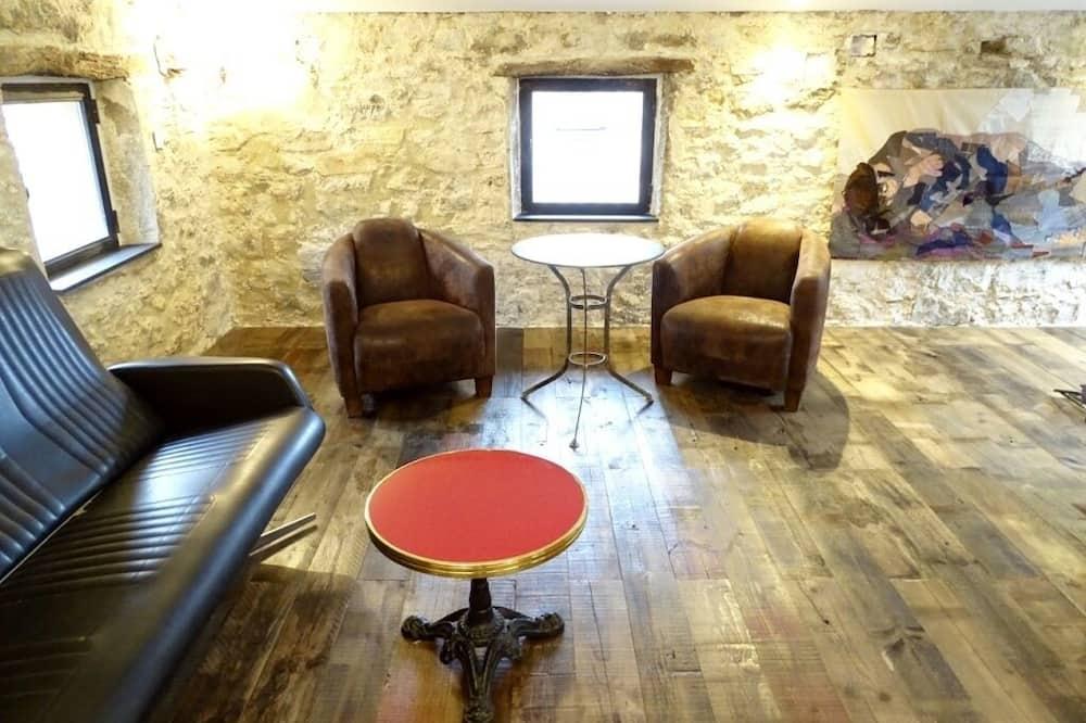 Superior Suite (Atelier) - Living Area