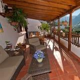 Dzīvokļnumurs, trīs guļamistabas, privāts baseins, skats uz kalniem - Balkons