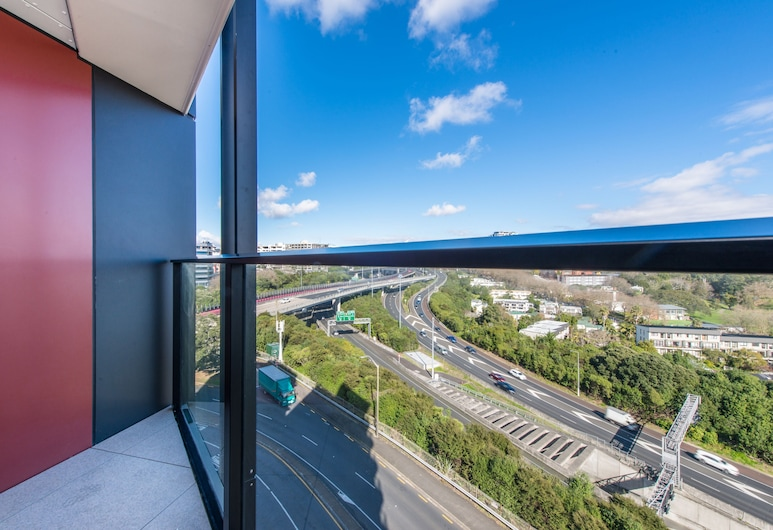 Ehome - Brand New In CBD with Pool, Sauna, Gym, Netflix, Auckland, City Apartment, 1 Bedroom, Non Smoking, Balcony