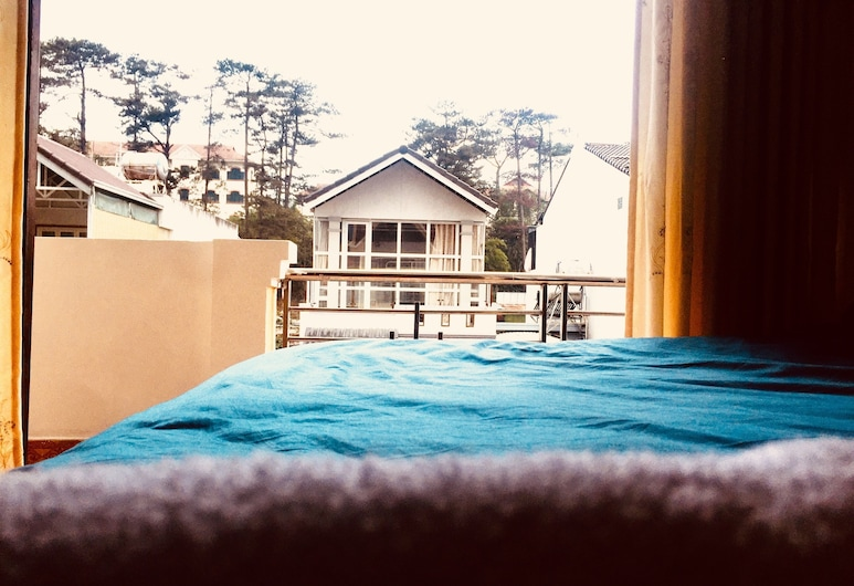 Phuong Lan Guesthouse, Ðà Lat, City-Doppelzimmer, Blick vom Balkon
