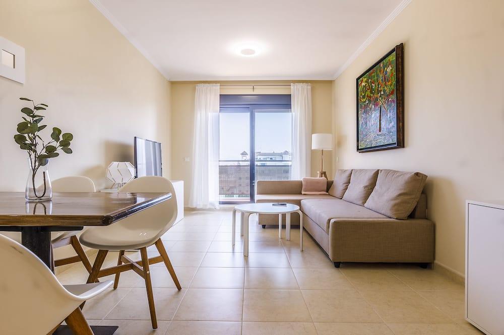 Huoneisto, 2 makuuhuonetta, Terassi - Olohuone