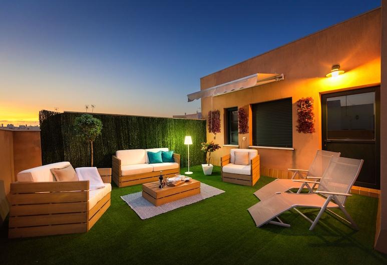 Amazing 3 Bedrooms Duplex With Great Loation and Huge Terrace. Zaragoza III, Севиль