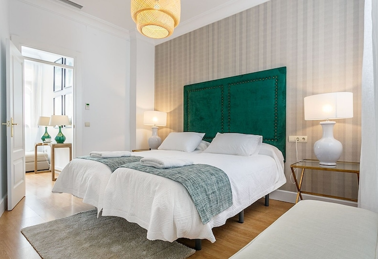 Spacious & Modern 3 BD Apartm Close to the Alcazar Palace. San Gregorio, Seville, Apartmán (3 Bedrooms), Izba