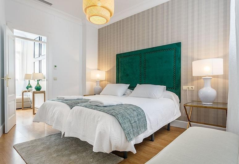Spacious & Modern 3 BD Apartm Close to the Alcazar Palace. San Gregorio, Севиль, Апартаменты (3 Bedrooms), Номер