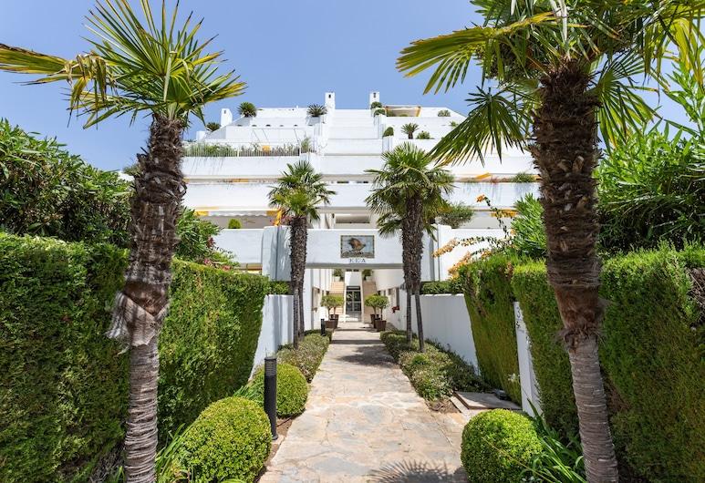 3BD Exclusive Apartment in Guadalmina Beach, Parque del sol, Marbella, Voorkant van de accommodatie