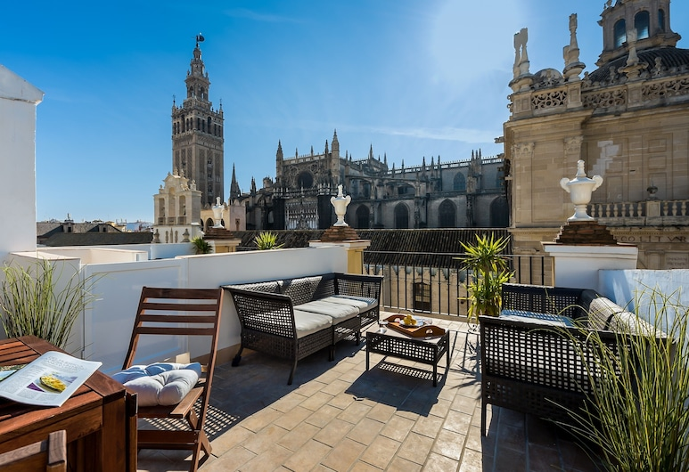 Apartment With a View of the Cathedral 2 Bedrooms. Catedral Terrace II, Sevilla