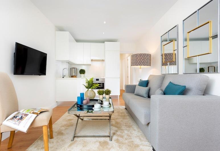 Brand New 2 BD Apartment in the Best Location. Pajaritos II, Seville, Apartmán, 2 spálne, Obývačka