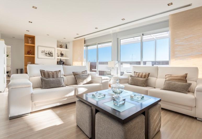 Amazing Penthouse, 2bedrooms and Big Private Terrace. Tetuan Terrace, Sevilla, apartman, 2 hálószobával, Nappali