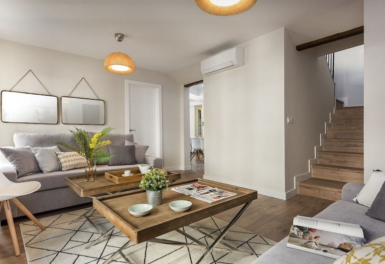 Large Designer Apartment for 8 People in the Historic Center of Malaga. Picasso III, Málaga