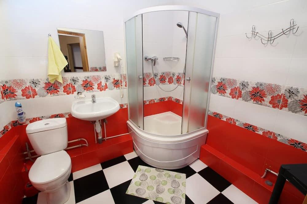Dobbeltværelse - fælles badeværelse - Badeværelse