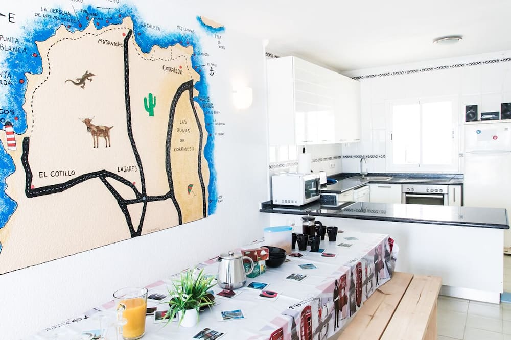 Double Room, Balcony, Sea View - Shared kitchen
