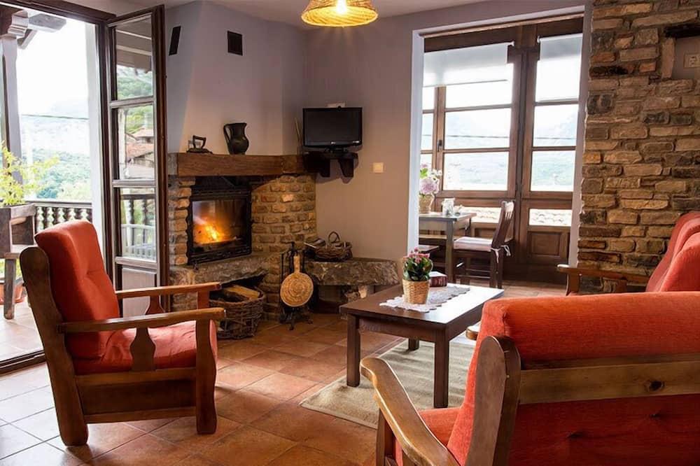 Apartment, 3 Bedrooms (Retriñón) - Living Room