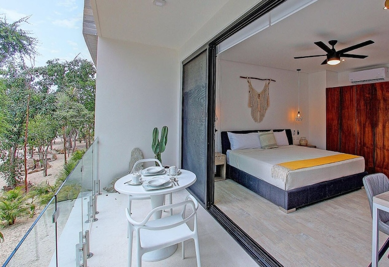 Unwind In An Exquisitely Furnished Studio , PANORAMIC C 202- By Salt - Kisses, Tulum