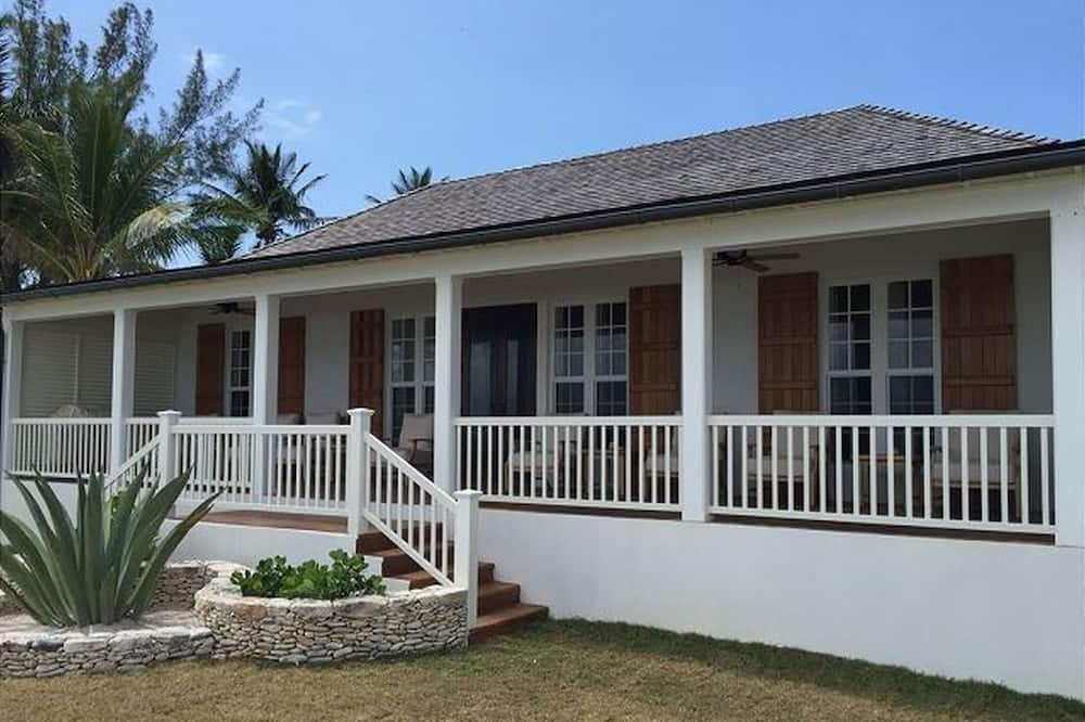 French Leave South Beach Compound by Eleuthera Vacation Rentals