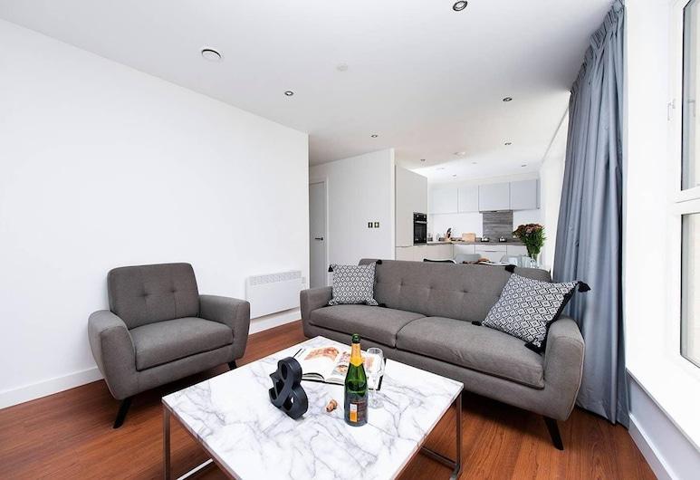 Perfect 2BR City Break Apartment!, Birmingham, Loft, 2 Bedrooms, Living Room
