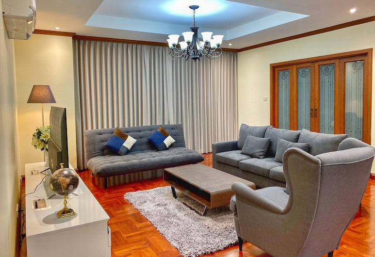 NT プレイス スクンビット スイーツ, バンコク, 3 Bedrooms Apartment, リビング エリア