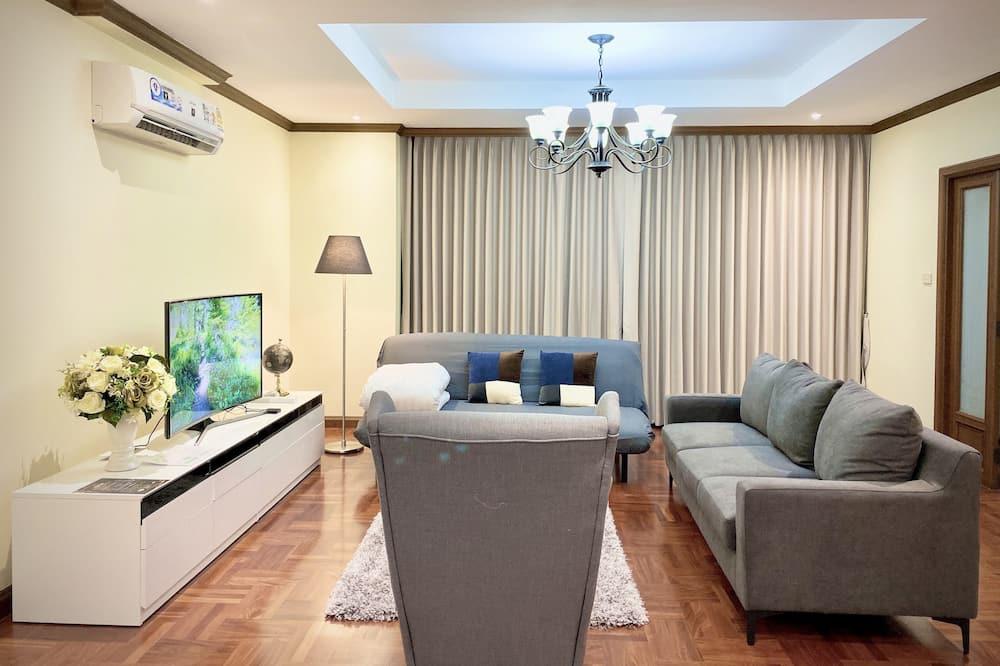 3 Bedrooms Apartment - リビング ルーム