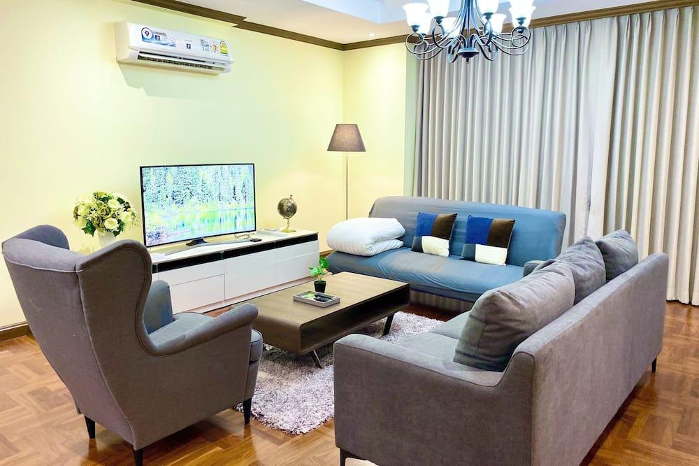 3 Bedrooms Apartment - リビング エリア