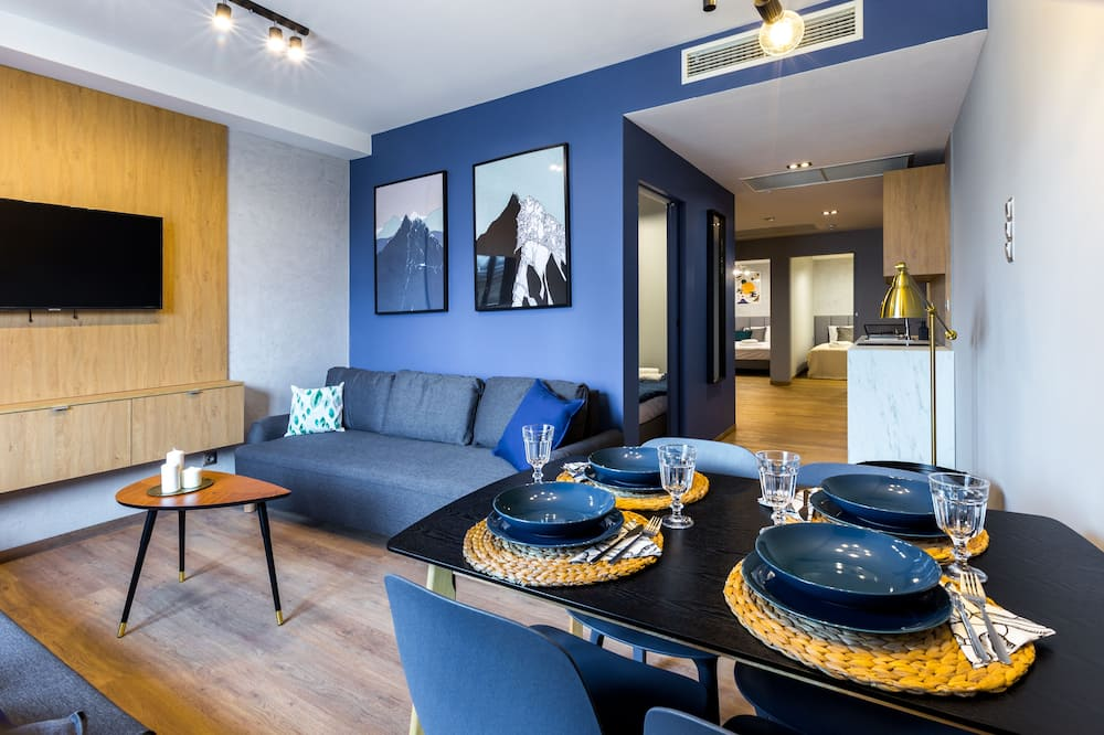 Exclusive Apartment, 3 Bedrooms - In-Room Dining