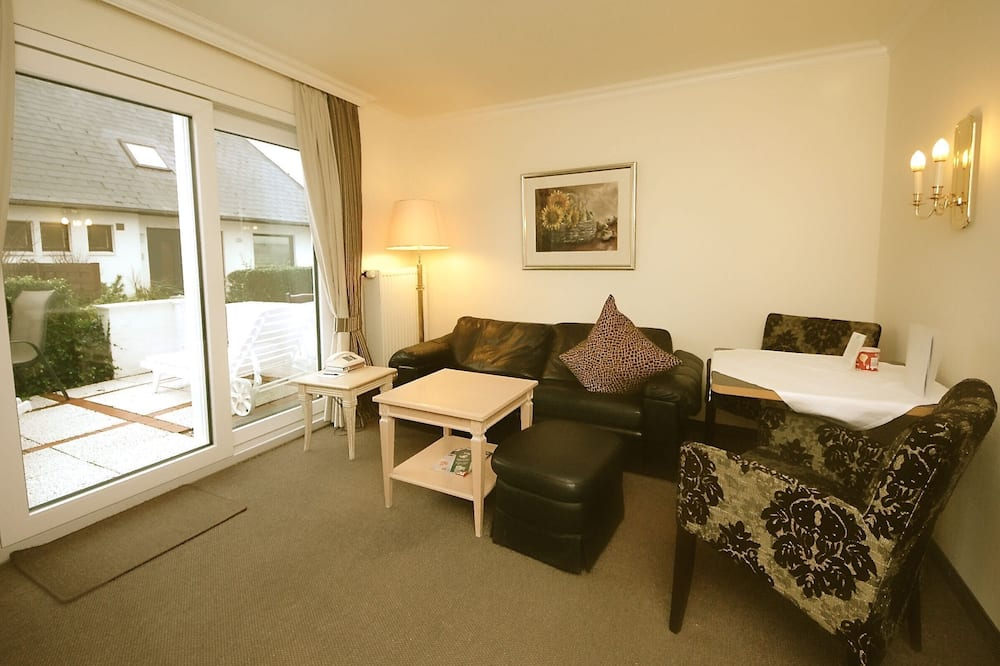 Standard Apartment (excl. cleaning fee 99 EUR) - Living Area