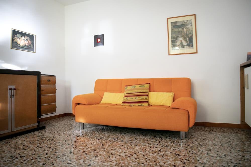 Коттедж, 4 спальни - Гостиная