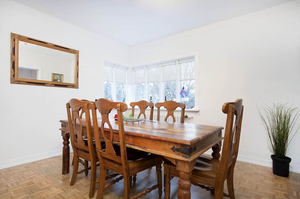 Apartment, 4 Bedrooms - In-Room Dining