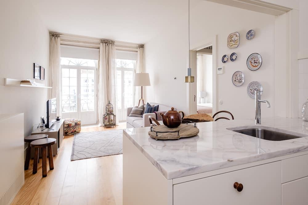 Premium appartement, 1 slaapkamer, Balkon, Uitzicht op de stad - Woonkamer