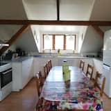 Базовый двухместный номер с 1 или 2 кроватями, общая ванная комната - Общая кухня