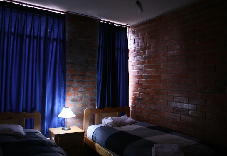 Tambocajas B&B, Quito, Standard Room, 2 Twin Beds, Private Bathroom, Courtyard View, Guest Room