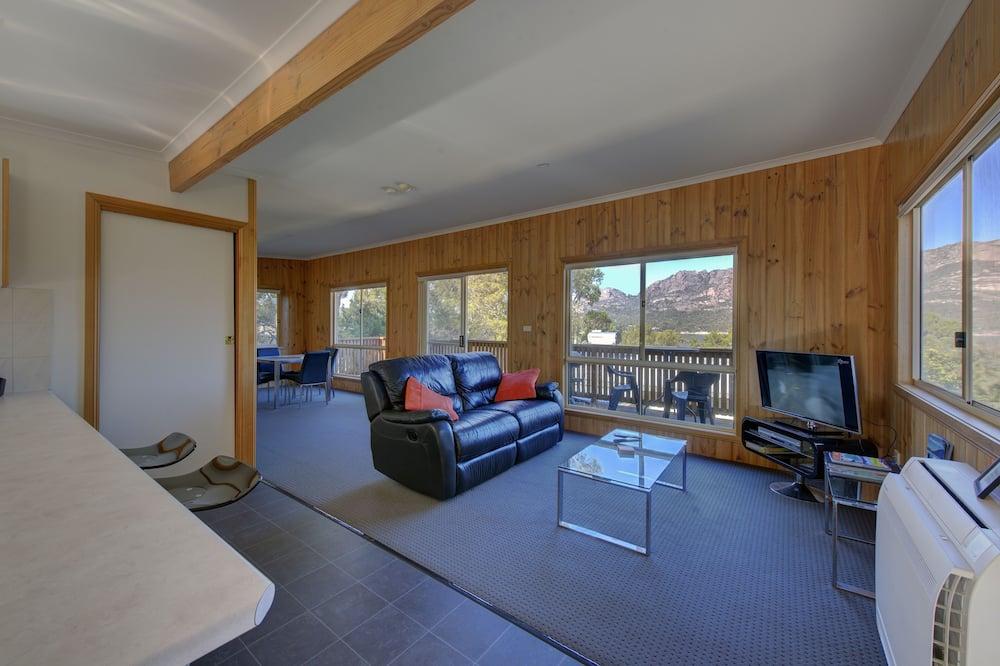 คอมฟอร์ทคอทเทจ, 1 ห้องนอน, ระเบียง, วิวภูเขา - พื้นที่นั่งเล่น
