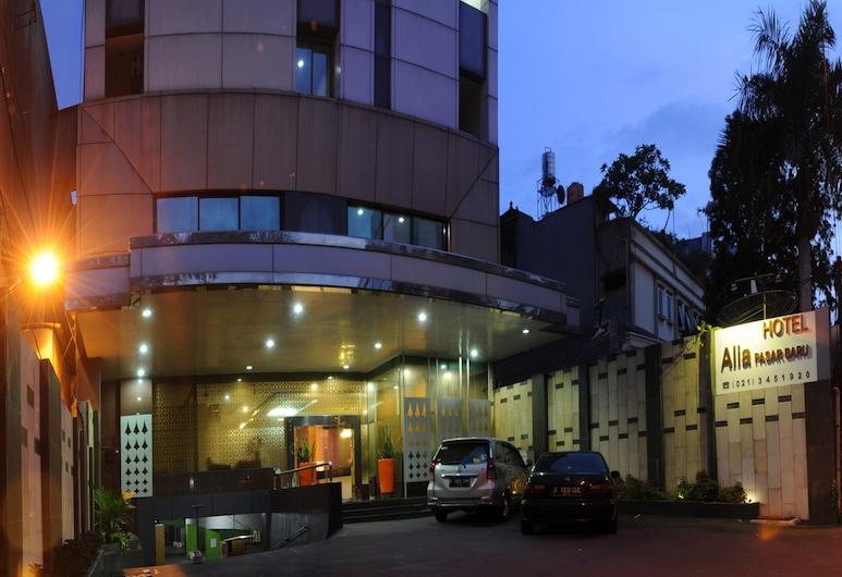 Hotel Alia Pasar Baru, Jakarta, Hotel Front – Evening/Night